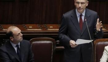 Enrico Letta ed Angelino Alfano durante la votazione di fiducia alla Camera del 29 aprile 2013