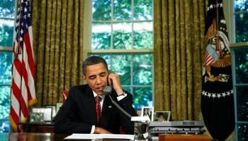 Barack Obama al telefono