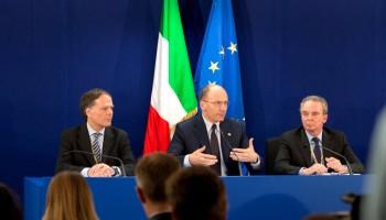 Bruxelles,Enrico Letta e Enzo Moavero Milanesi al briefing con la stampa dopo il Consiglio Europeo su energia e e lotta all'evasione fiscale