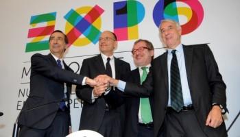 Il Presidente del Consiglio Enrico Letta assieme al Commissario per Expo 2015 Giuseppe Sala, al Presidente della Lombardia Roberto Maroni e al sindaco di Milano Giuliano Pisapia.