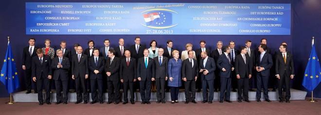 """Enrico Letta nella """"foto di famiglia"""" del Consiglio UE del giugno 2013"""