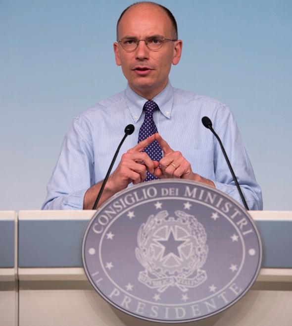 Enrico Letta in conferenza stampa nella sala stampa della Presidenza del Consiglio