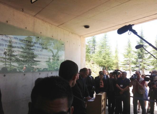 Enrico Letta allo Yad Vashem