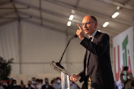 Enrico Letta, segretario del Partito Democratico, durante la giornata di chiusura della festa dell'Unità, Bologna, 12 settembre 2021. ANSA/ MAX CAVALLARI